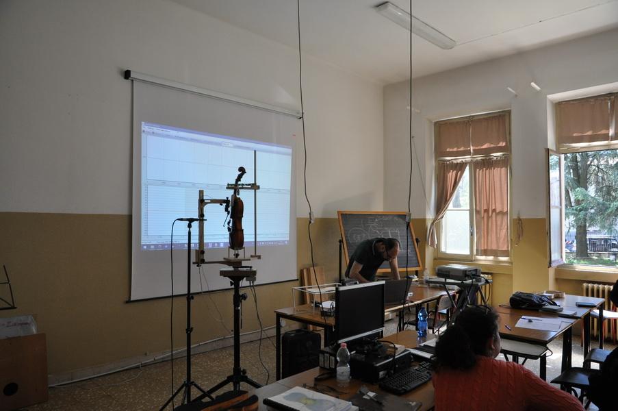 Immagini dal seminario di Francesco Piasentini presso la Civica Scuola di Liuteria di Milano - 2017 05 08-09
