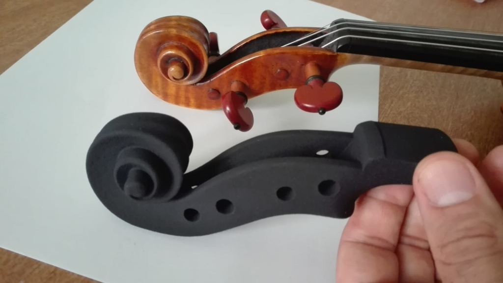3D printed scroll, obtained from the Industrial CT scan of a violin performed at 110microns